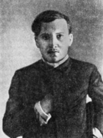Александр Добролюбов